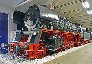 steam-locomotive-3134371_1920.jpg