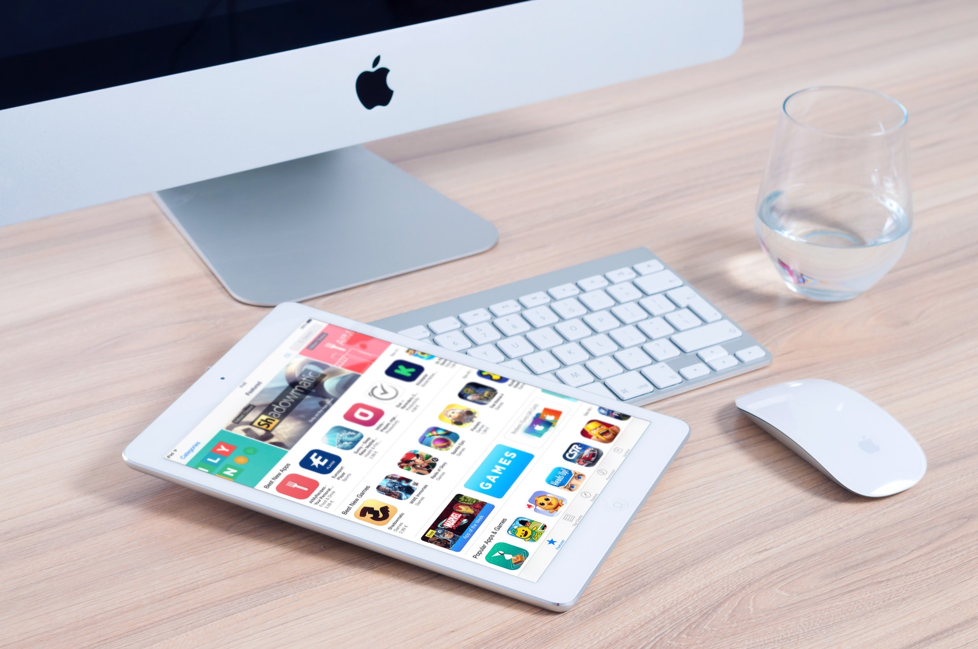 imac-apple-mockup-app-38544.jpeg